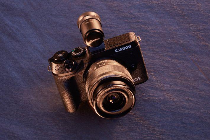 Melhor para: Iniciantes. Controlos simples, um ecrã tátil e a interface familiar da Canon significam que ...