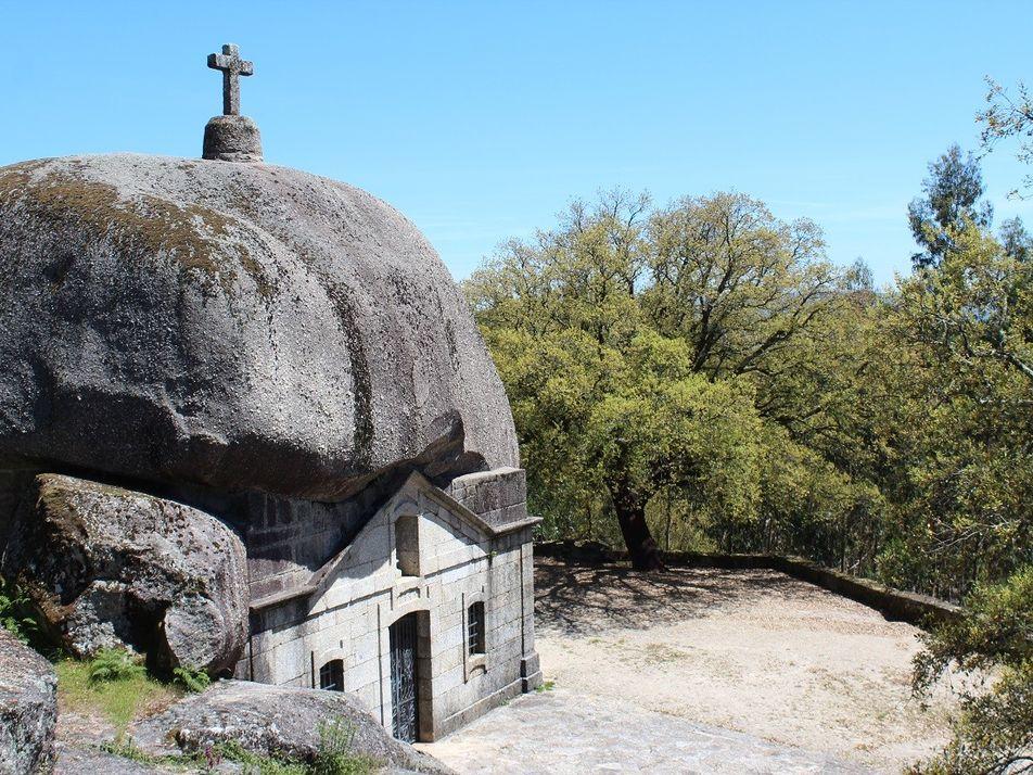 10 Edifícios Invulgares Construídos em Portugal