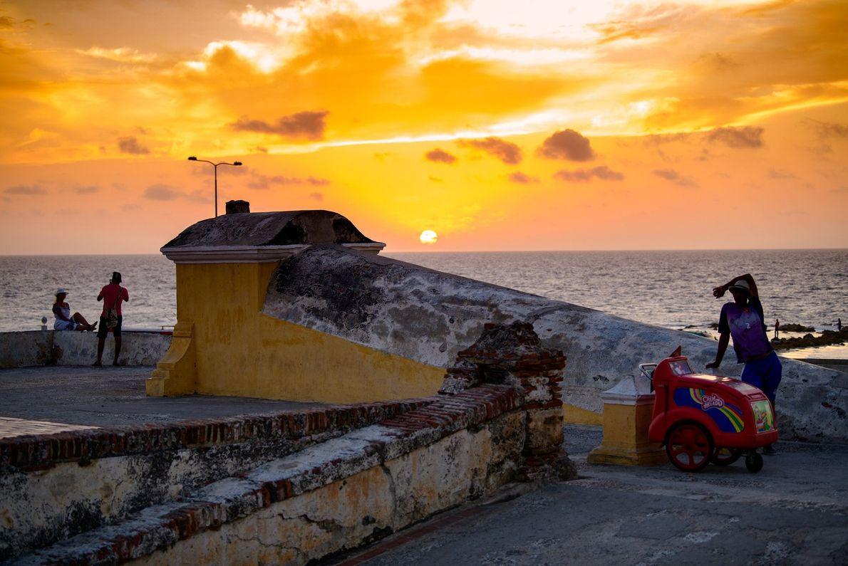 O pôr do sol sobre a baía de Cartagena, na Colômbia, descrita pelo romancista Gabriel García ...