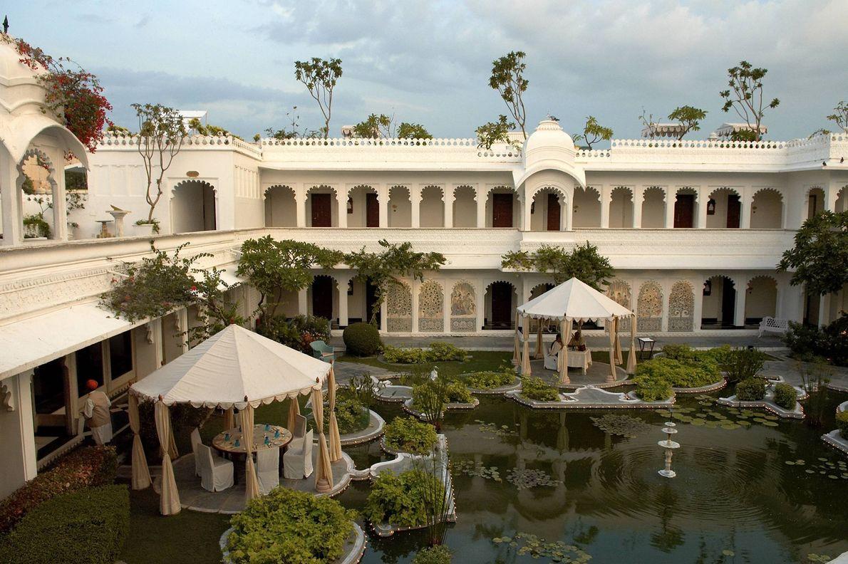 Construído em 1746 como palácio de prazer de Maharana Jagat Singh II, o Taj Lake Palace.