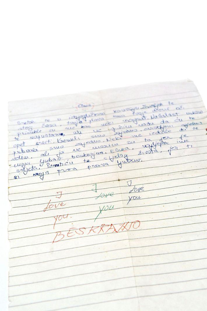 Um rapaz de 13 anos escreveu esta carta ao seu primeiro amor, enquanto fugia de Sarajevo, ...
