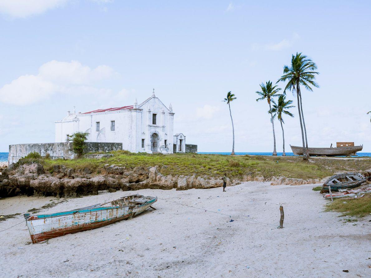 Igreja branca de Santo António, Moçambique