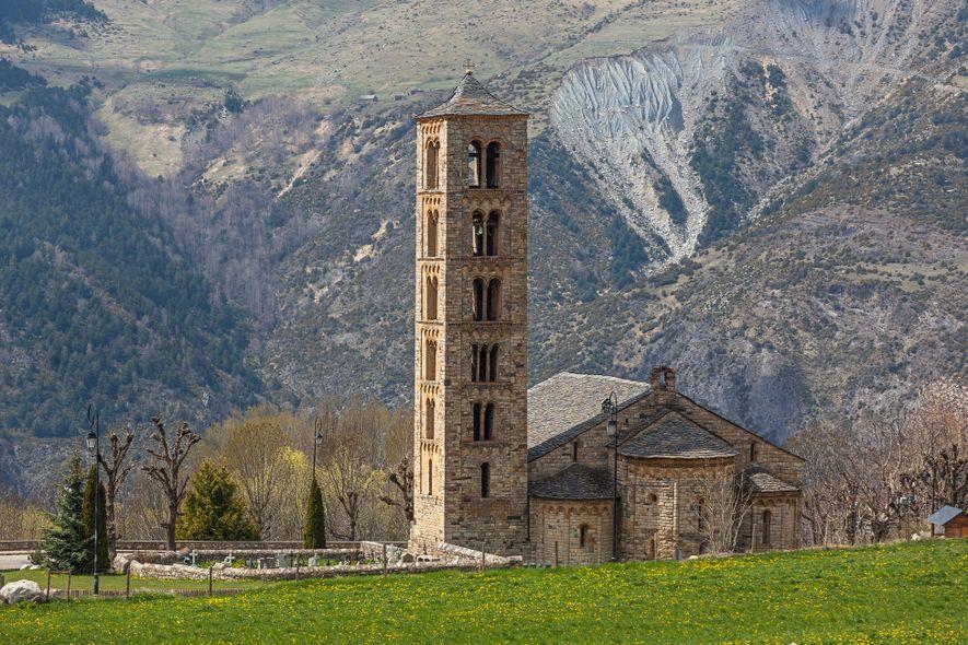 A igreja de Sant Climent, na cidade de Taüll, tem uma coleção impressionante de quadros restaurados ...