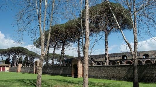 Imagens recentes das magníficas ruas e relíquias de Pompeia