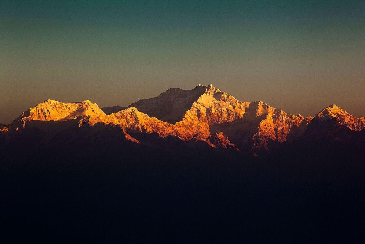 A terceira montanha mais alta da Terra foi escalada pela primeira vez no inverno de 1986, ...