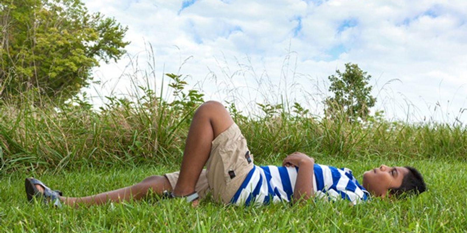 Deixar as Crianças 'Andar com a Cabeça nas Nuvens' É Uma Coisa Boa