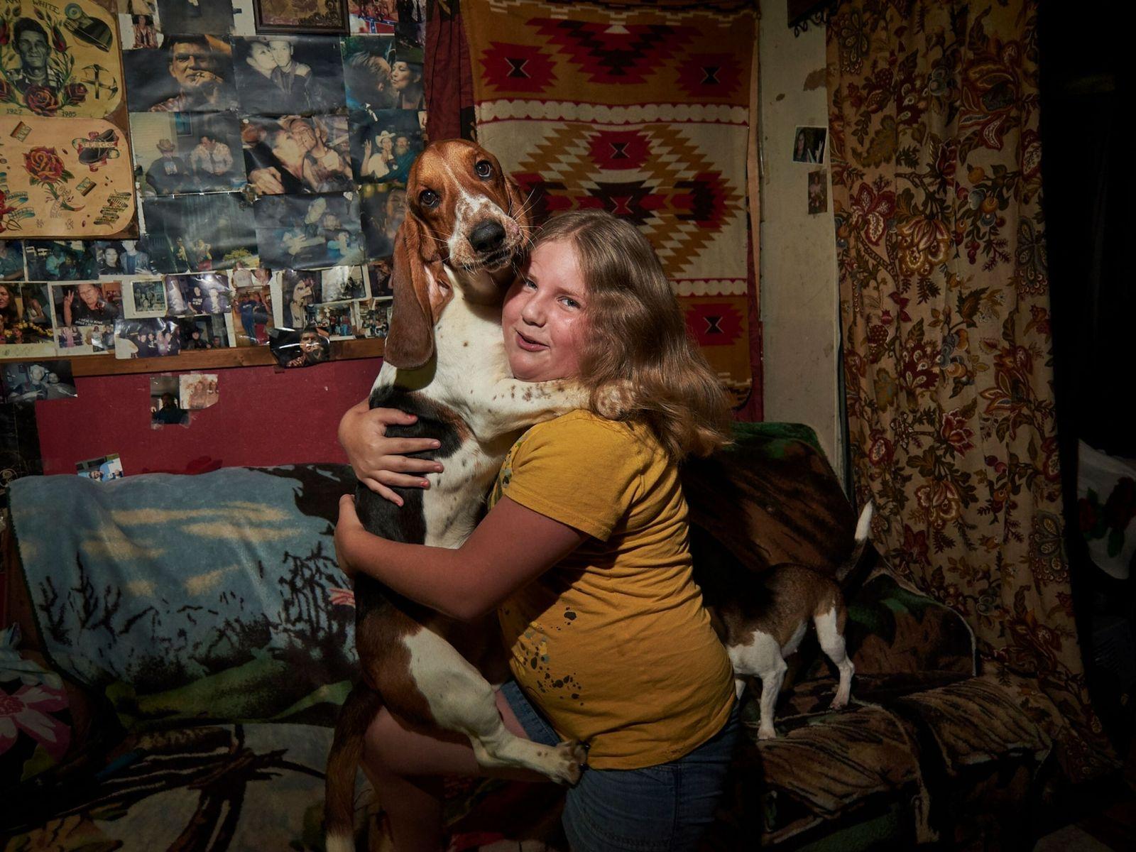 Uma rapariga e o seu cão