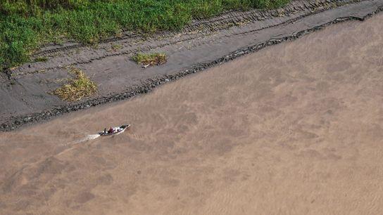 O rio Javari e os seus afluentes formam uma rede de cursos de água que levam ...