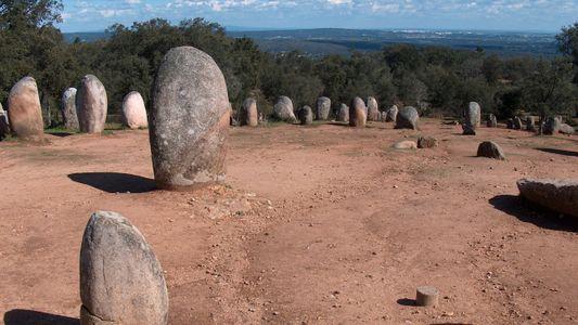 Cromeleque dos Almendres: o Stonehenge Português