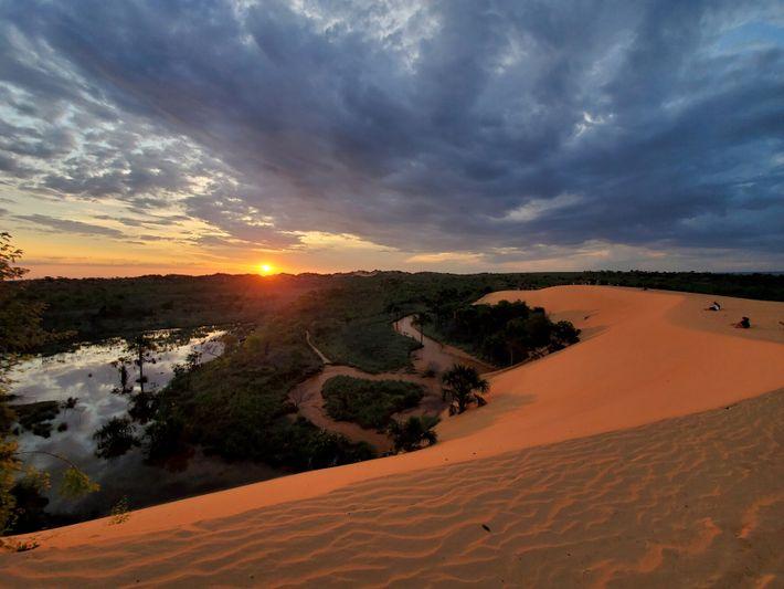 O pôr do sol nas dunas do Jalapão oferece uma perspetiva diferente sobre um dos parques ...