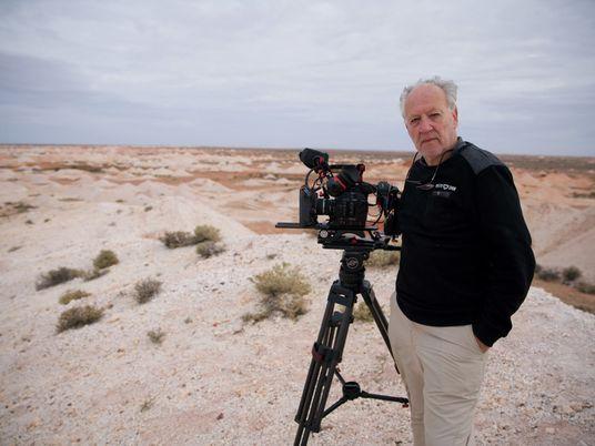Werner Herzog: 'O Mundo Revela-se aos que Viajam a Pé'