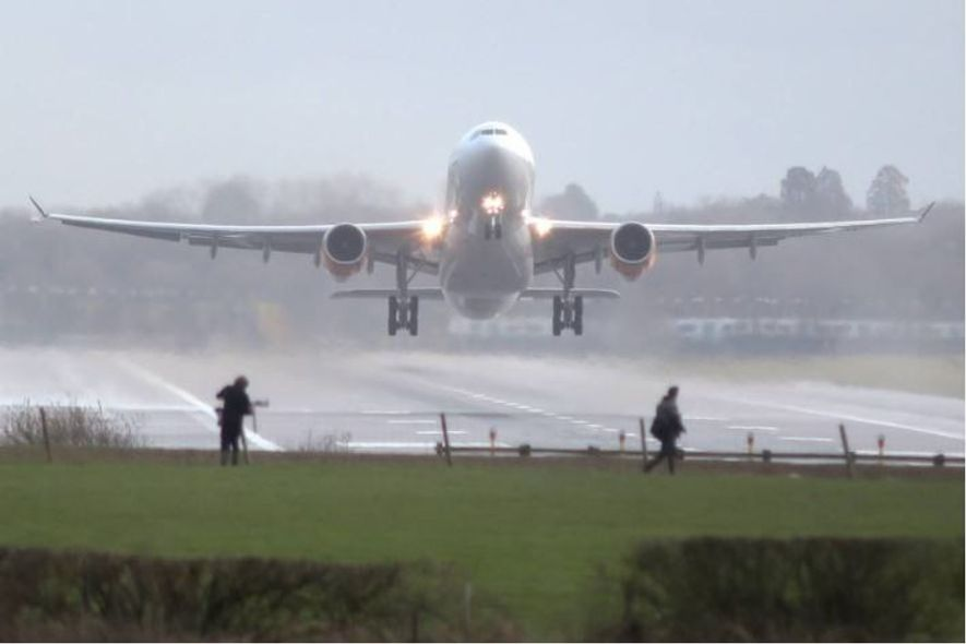 Recentemente, as perturbações provocadas pelo avistamento de drones no Aeroporto de Gatwick resultaram no adiamento de ...