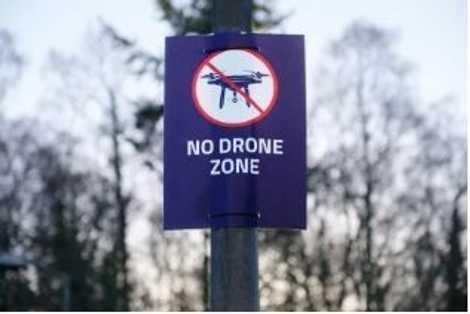 Com os drones disponíveis no mercado de consumo – desde brinquedos a máquinas preparadas para fotografar ...