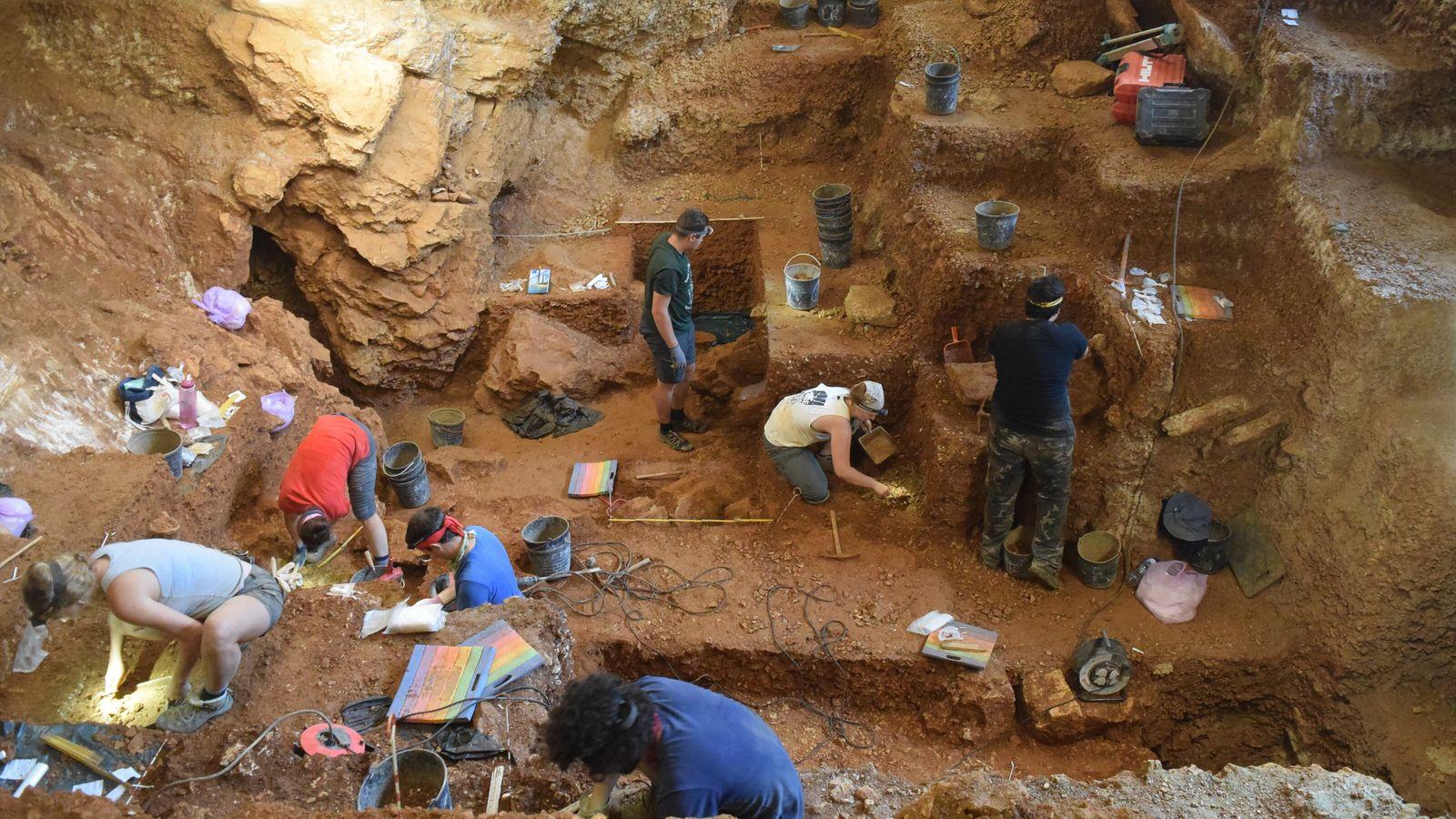 Os trabalhos arqueológicos na Lapa do Picareiro que conduziram à publicação do artigo na revista Proceedings of the National Academy ...