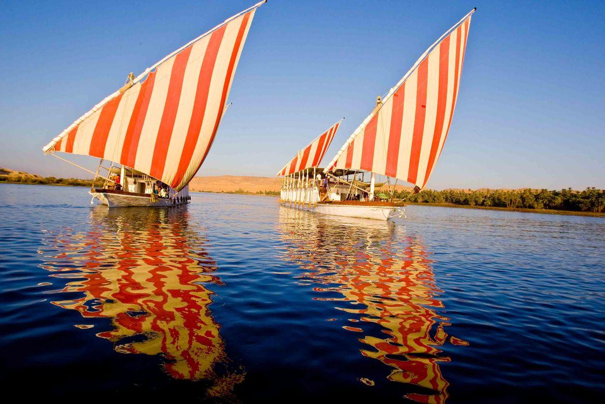 Duas embarcações.