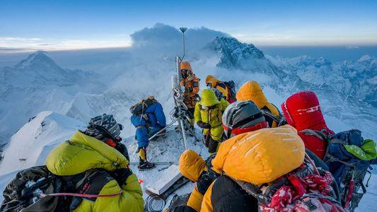 A Expedição ao Evereste que Construiu a Estação Meteorológica Mais Alta do Mundo