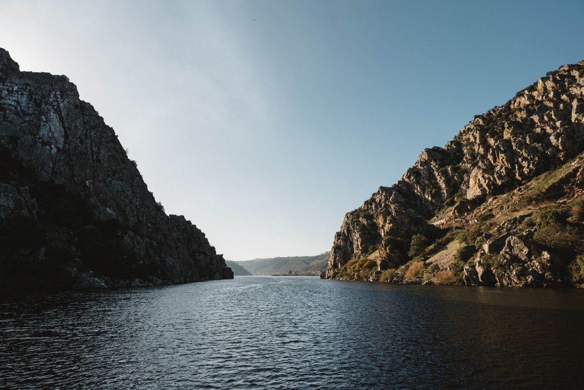 O Monumento Natural das Portas de Ródão que pode visitar a bordo de um barco.
