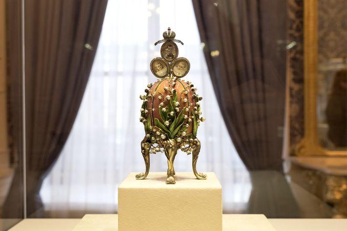 """O Ovo """"Lírios do Vale"""" (Fabergé)"""