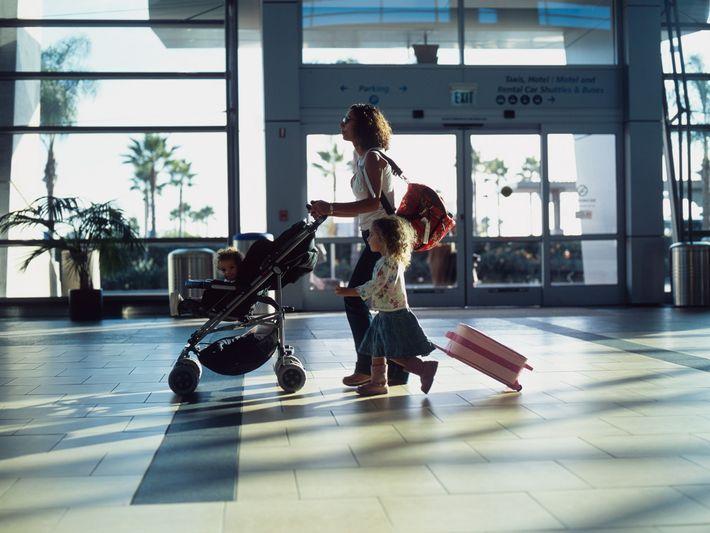 Os consultores de viagens podem ajudar uma família a planear a sua viagem e garantir que ...