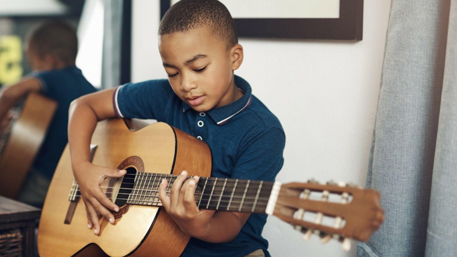 Apoiar os interesses do seu filho – quer seja na música, desporto ou ciência – pode ...