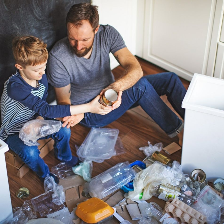 'Auditoria ao lixo': Como falar sobre desperdício pode capacitar as crianças para proteger o planeta