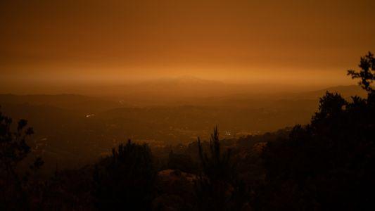 Os Céus Alaranjados que Cobrem o Norte da Califórnia São Um Presságio