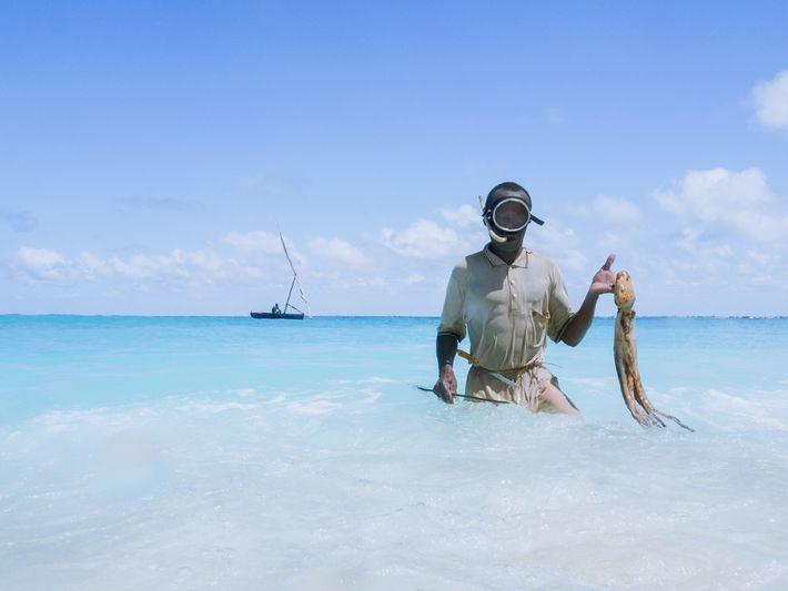 Pescador na Ilha de Goa, Moçambique