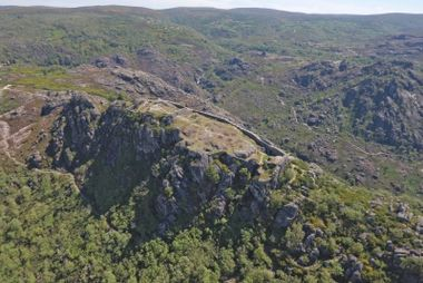 Vista aérea do castelo de Castro Laboreiro