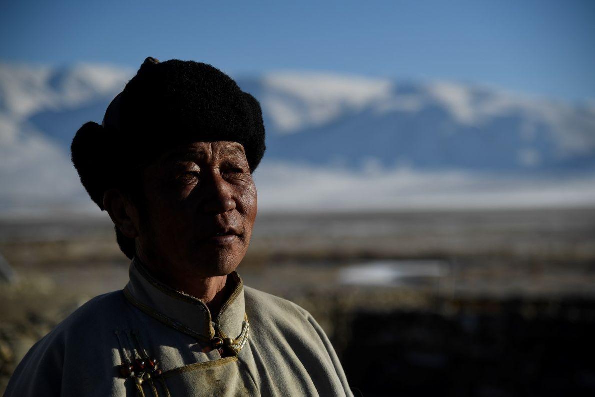 Nômade do Cazaquistão na região de Tsambagarav, na Mongólia.