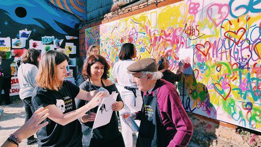 Lata 65: Desafiando a Velhice Com Arte Urbana