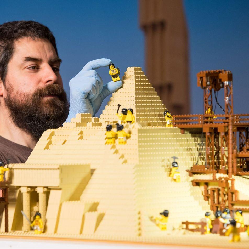A história de como um 'grupo de desajustados' salvou a LEGO