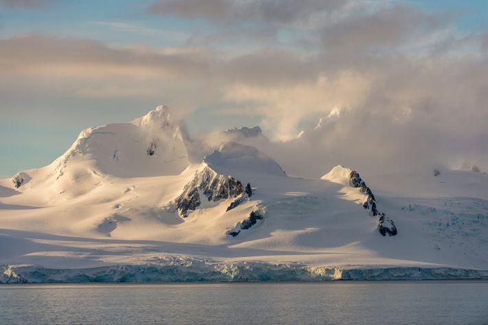 Uma nova maneira de estudar o gelo na Antártida a partir do espaço está a oferecer ...