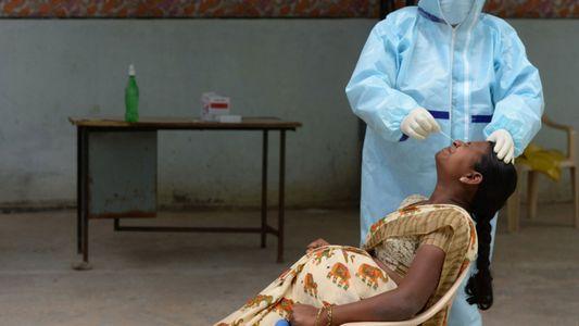 As mulheres grávidas na Índia ainda não são elegíveis para as vacinas COVID-19. Porquê?