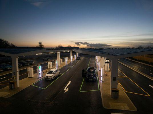 Carregar veículos elétricos alguma vez será tão rápido como meter gasolina?