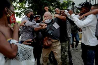 Agressão a fotógrafo da Associated Press
