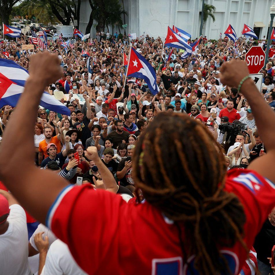 'A vossa maldita revolução': Como uma música inspirou os protestos em Cuba