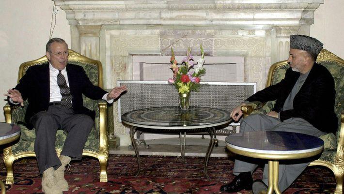 Visita com o Secretário de Defesa dos EUA Donald Rumsfeld