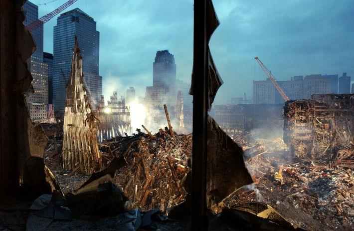 Destroços fumegantes do World Trade Center