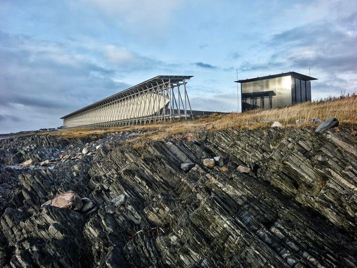 O Memorial Steilneset na Noruega, localizado na costa do Mar de Barents, homenageia os 91 homens ...