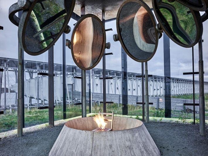 O Memorial Steilneset na Noruega foi projetado pela artista Louise Bourgeois e pelo arquiteto Peter Zumthor ...