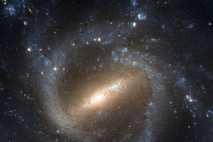Imagem da galáxia espiral barrada NGC 1073 obtida pelo Telescópio Espacial Hubble. Pensa-se que a morfologia ...