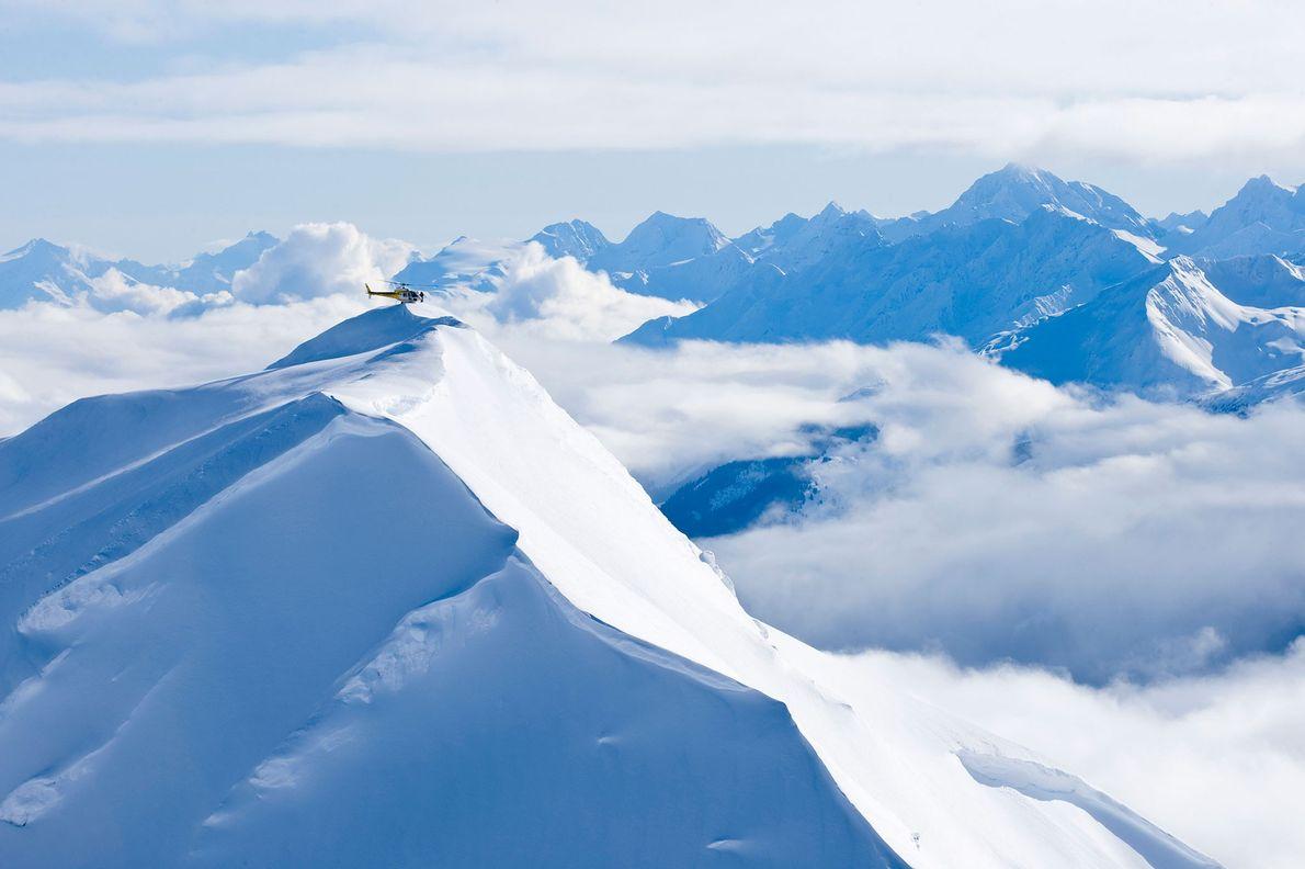 helicóptero montanhas Alasca