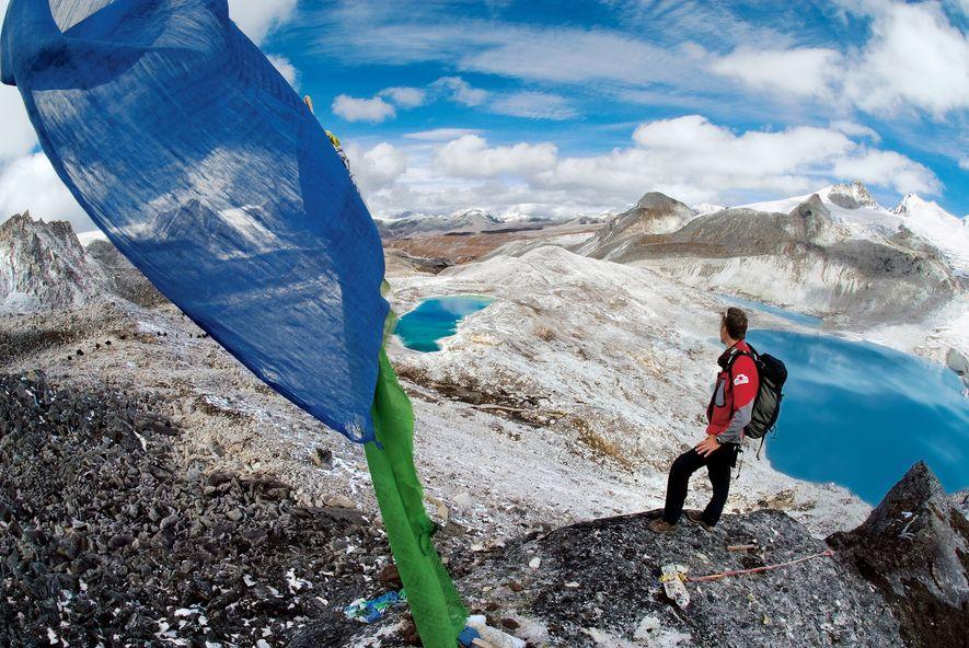 A caminhada a elevada altitude demora, habitualmente, 25 dias sob condições de neve, mas os caminhantes ...