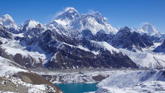 Alpinista Nepalês Faz História Pela Rapidez com que Escalou os Cumes Mais Altos do Mundo