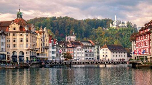 Suíça: Visite a Cidade Histórica por Baixo da 'Montanha do Dragão'