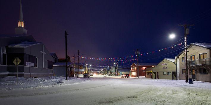 Front Street, em Nome, nos tempos modernos. A cidade é a meta da famosa Corrida de ...