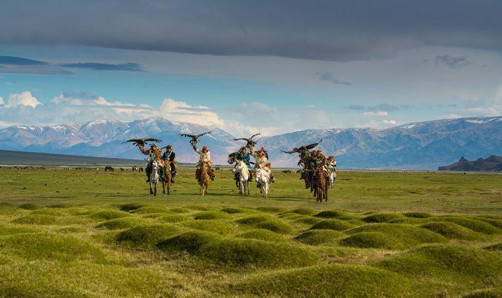 Caçadores com águias na Mongólia
