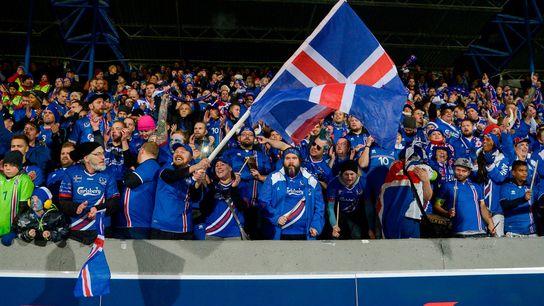 Adeptos islandeses.
