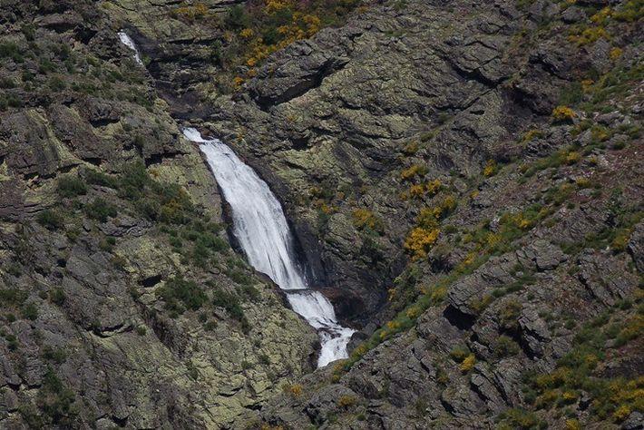 Cascata das Fisgas do Ermelo, Parque Natural do Alvão.