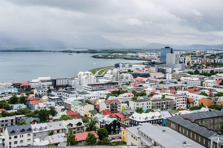 Cerca de 80% da energia elétrica usada na Islândia é gerada em centrais hidroelétricas.